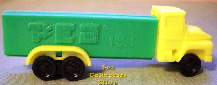 D Series Truck R1 Yellow Cab on Green Trailer Pez - Click Image to Close