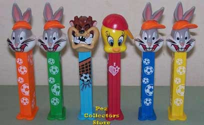 Looney Tunes Soccer Set Bugs Tweety and Taz