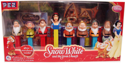 Snow White and the Seven Dwarfs Pez Gift Set