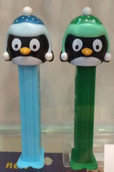 Christmas Penguin pez in Green