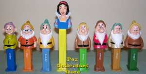 Snow White and the Seven Dwarf Pez Set Loose