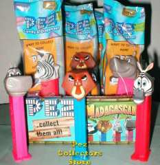 Skipper and Melman from Madagascar Pez Set